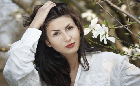 染烫头发后如何护理 染完头发怎么护理 染烫后护理