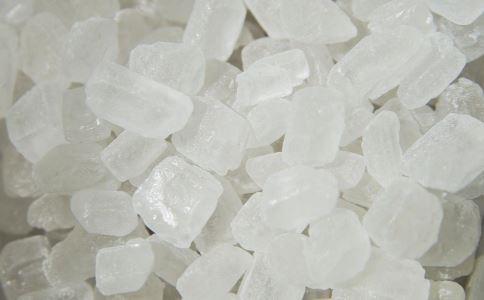 宝宝几个月可以吃盐 宝宝多大可以吃盐 多大的宝宝可以吃盐