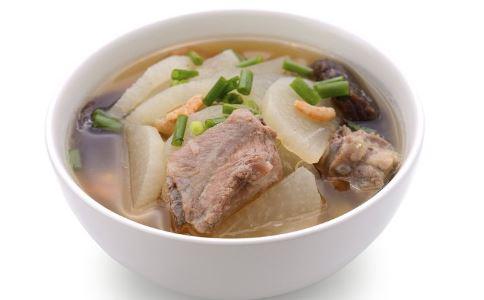 冬吃萝卜 萝卜汤的做法 排骨萝卜汤的做法