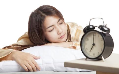 哪些食物影响睡眠