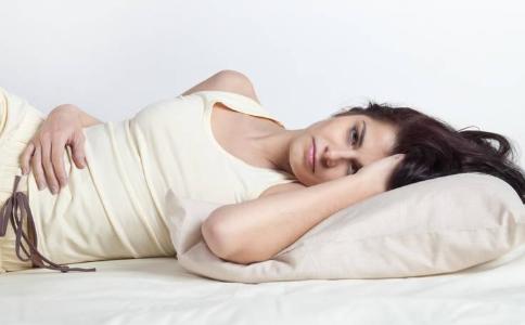女性宫颈糜烂如何护理 女性宫颈糜烂有哪些原因 女性宫颈糜烂的因素