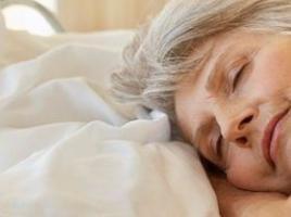 老人经常睡不好容易导致老年痴呆