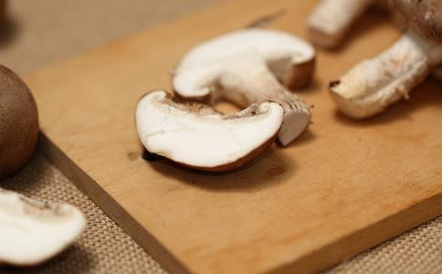 蘑菇的作用 蘑菇的用途 蘑菇如何养生