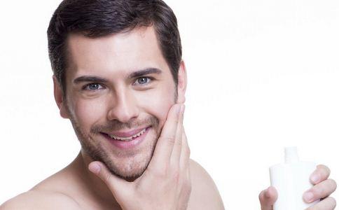 油性皮肤护肤的方法 男士护肤的小窍门 油性皮肤如何护肤