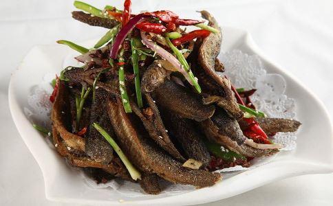 孕妇可以吃泥鳅吗 产妇可以吃泥鳅吗 泥鳅的营养价值