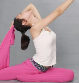 妇女节跳跳肚皮舞可以减肥