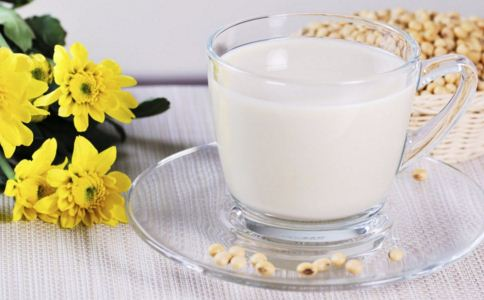 孕妇可以喝豆浆吗 产妇可以喝豆浆吗 豆浆的营养价值