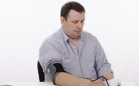 如何使用止血带 止血带的使用方法 使用止血带的注意事项