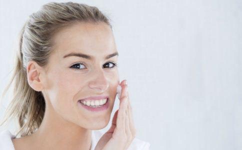 皮肤美白的小妙招 皮肤变白的方法 如何使皮肤变白