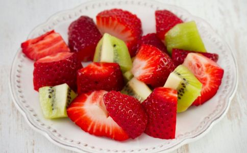 孩子多大才可以吃草莓