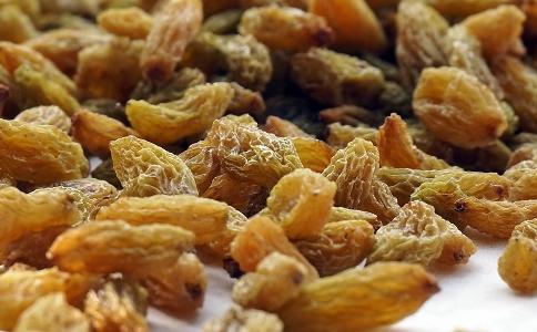 吃葡萄干的好处 吃葡萄干的作用 吃葡萄干有什么作用