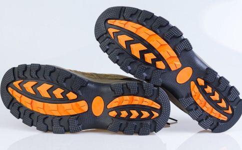 鞋子除臭的方法_运动鞋怎么除臭