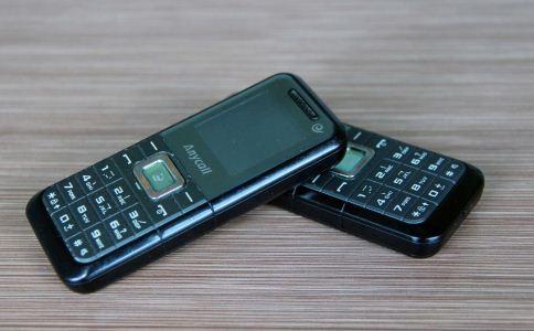 如何透过手机看透男人心 通过手机看男人心 透过手机看男人心