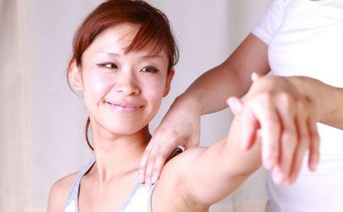 手臂吸脂的方法 手臂吸脂注意什么 手臂吸脂注意事项