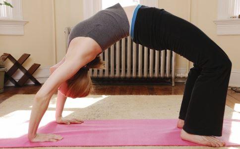 效果顯著的豐胸減肥瑜伽有哪些 哪些瑜伽能豐胸減肥 什麼瑜伽能豐胸減肥