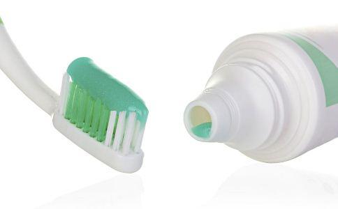 牙膏如何选择 关于牙膏的那些真相 美白牙膏怎么没有美白效果