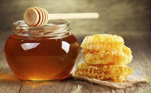 糖尿病能吃蜂蜜吗 蜂蜜对糖尿病的作用 蜂蜜有什么功效
