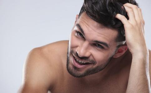 男性如何控油 男性油性肌肤如何控油 男性控油的方法
