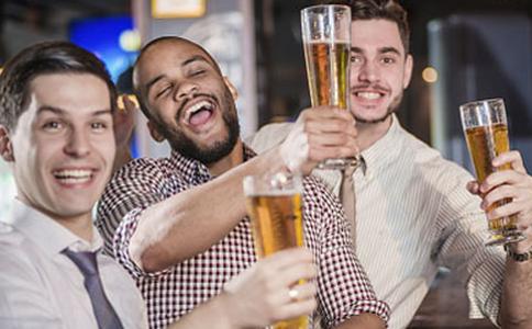 如何减少喝酒的伤害 如何喝酒更舒畅 如何降低喝酒的伤害