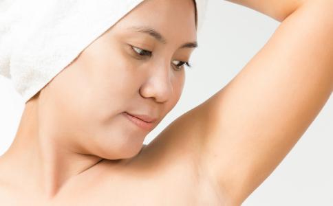 经常使用脱毛膏会有副作用吗 使用脱毛膏要注意哪些事项 如何安全脱毛