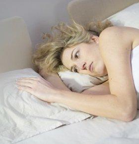 女性几种错误的睡觉方法让你快速衰老