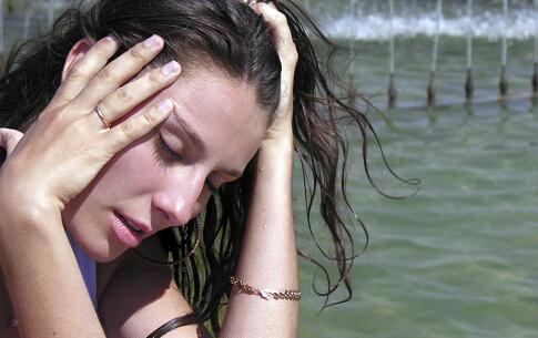 卵巢早衰的症状 压力大导致卵巢早衰 卵巢早衰吃什么好