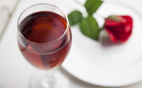 女性喝红酒_女人 你真的会喝红酒吗_保健常识_女性_99健康网