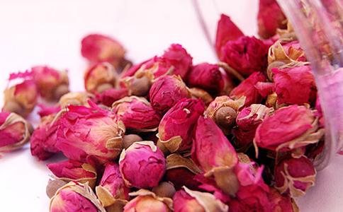 玫瑰花茶能治妇科病吗 玫瑰花茶的功效 喝玫瑰花茶的好处