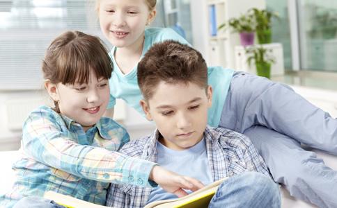 如何给孩子安全感 如何教育子女 对于父母孩子有什么心理
