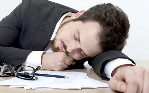 熬夜有什么危害 熬夜的危害有哪些 熬夜的防治
