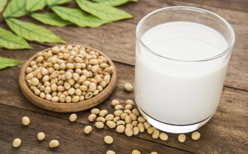 喝豆浆的好处和坏处 适合喝豆浆的人群 喝豆浆有没有禁忌