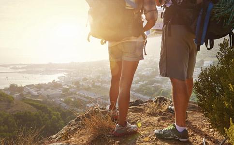 登山的好处有哪些 登山的注意事项是什么 登山应该注意什么