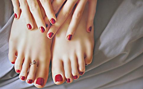 手脚冰凉怎么办 手脚冰凉会导致不孕吗 手脚冰凉的危害