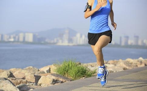 慢跑要如何减肥 慢跑减肥能瘦腿吗 快跑会练出肌肉吗