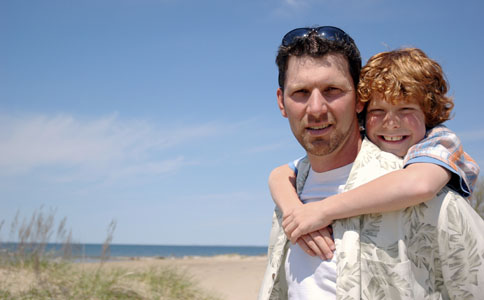 孩子的成长离不开父爱 爸爸该如何陪孩子 如何陪伴孩子健康成长