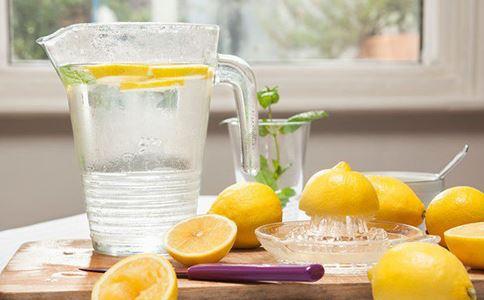 柠檬怎么泡水 柠檬水如何泡 柠檬水的正确泡法有哪些