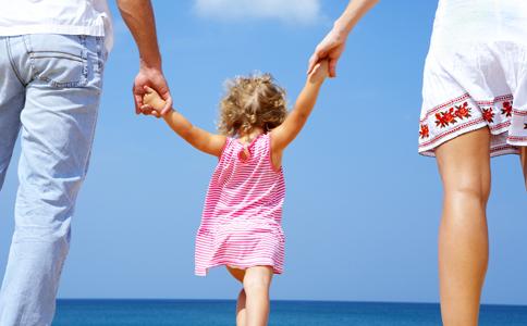 父母如何培养孩子 父母如何教育子女 如何最大限度的培养孩子