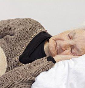 有效改善老人失眠的方法