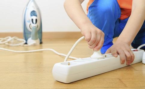触电要如何急救 触电的急救方法有哪些 触电应该怎么办