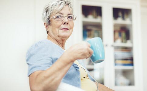 老人降压降糖茶 老人该如何降压降糖 自制药茶能帮助降糖降压