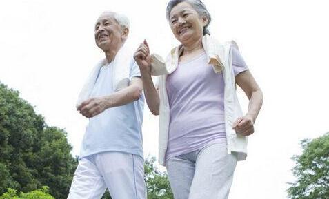 老人怎么预防骨质疏松 老人如何骨质疏松 老人预防骨质疏松