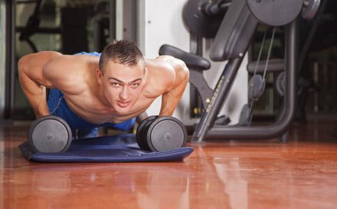 俯卧撑的锻炼方法有哪些 锻炼效果好的俯卧撑有哪些 什么俯卧撑的锻炼效果好
