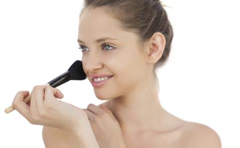 化妆的禁忌 化妆的小技巧 化妆的小窍门