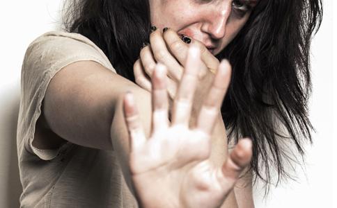 口臭的症状有哪些 口臭的症状是什么 哪些原因会导致口臭