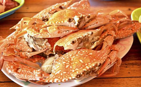 宝宝多大可以吃螃蟹 多大的宝宝可以吃螃蟹 宝宝能吃螃蟹吗
