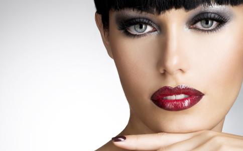 烟熏妆 烟熏妆的妆容重点 如何化好烟熏妆