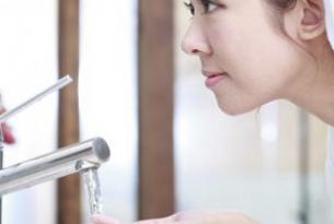 祛斑有新招:用什么洗脸能祛斑