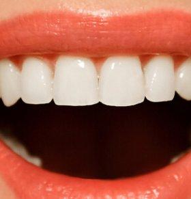 这几个不良习惯会毁掉你的牙齿