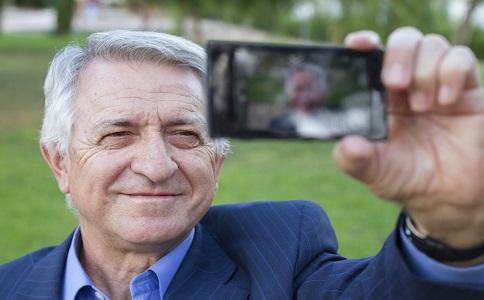 提高老人記憶力玩電子遊戲提高老人思維如何提高老人記憶力