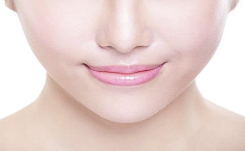 唇部去角质 还你迷人双唇